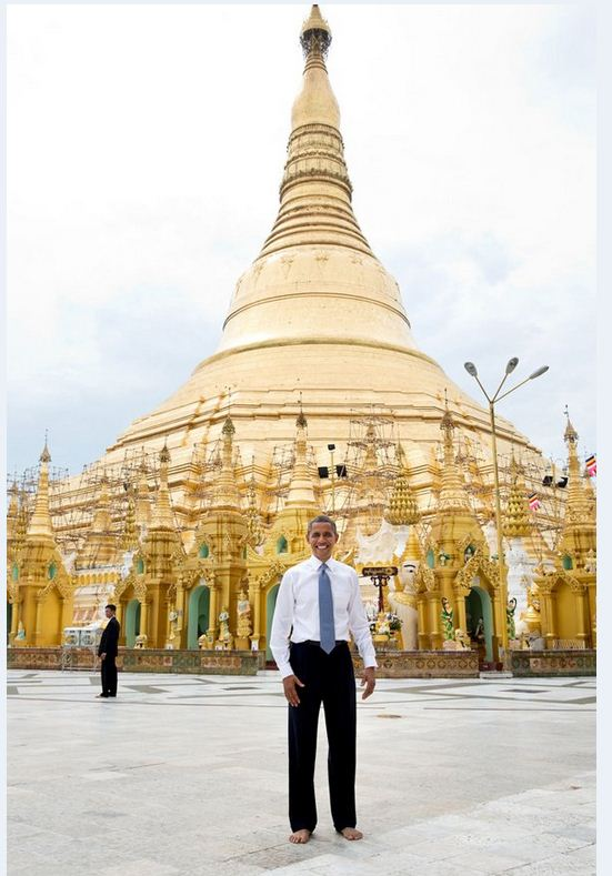 November 19 2012 Obama shoe and sockless in front of Swedegon Pagoda in Myanmar